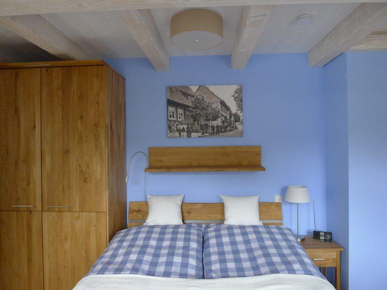 P1070070 - gr. Schlafzimmer oben -a