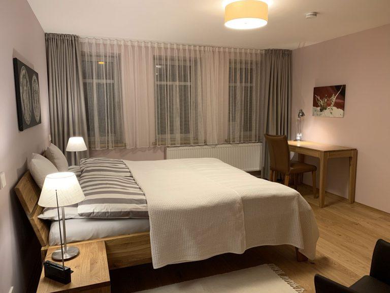 Schlafzimmer 1 EG 2